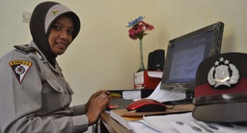 Indonésie : la police en hijab !
