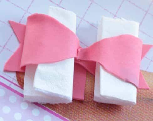 Cake design : un joli noeud pour vos gâteaux